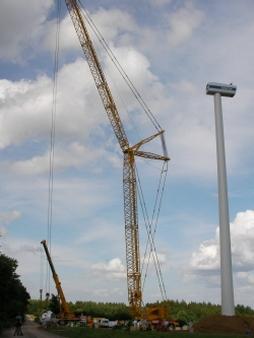 Großer Kran Aufbau Windrad Eifel